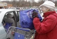 20110316__USGroceryPushingReusables~1_VIEWER